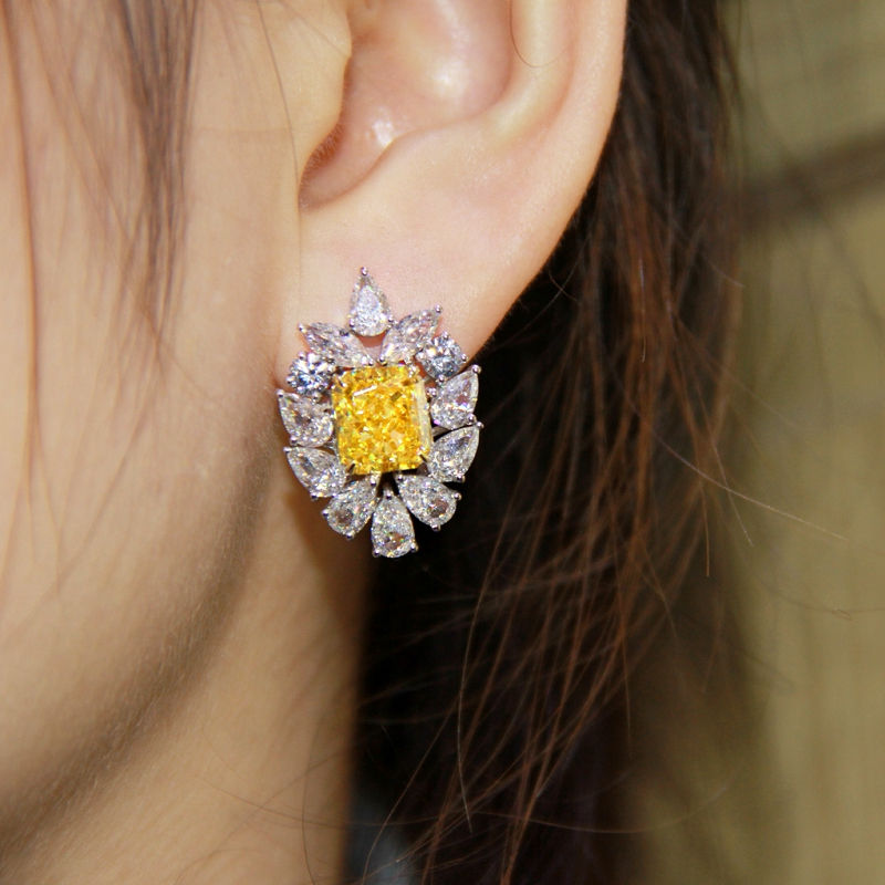 YELLOW SILVER EARRING